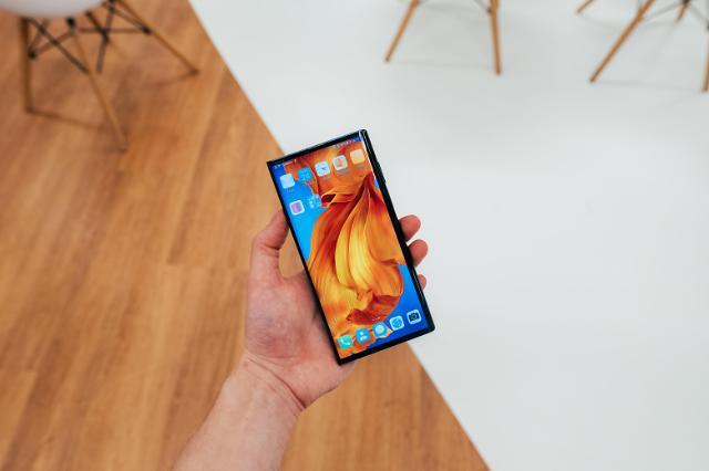 [NNA] 화웨이 스마트폰, 시장에서 가격 상승... 부품공급 중단으로 수요 증가