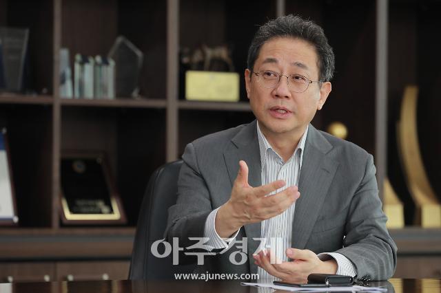 """안건준 벤처기업협회장 """"코로나19 위기, 대전환 준비해야"""""""