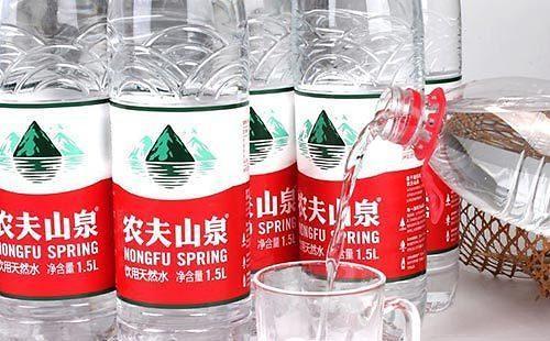 [홍콩증시]中 생수1위 눙푸, '대박 상장'… 첫날 주가 54% 폭등