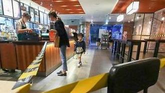 Giãn cách xã hội tại khu vực thủ đô được điều chỉnh từ 2.5 → 2…Nhà hàng·Quán cafe được hoạt động trở lại