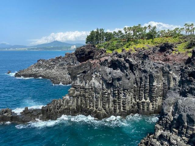 Trip flying over Jeju fascinates Taiwanese travelers grounded by COVID-19