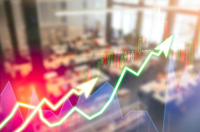 SMIC 제재 가능성에 잘나가던 中증시 휘청... 펀드 수익률도 뚝