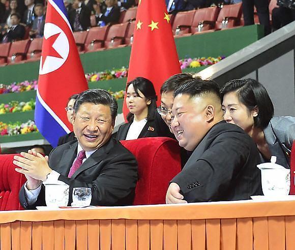 """中에 밀착하는 北…김정은, 시진핑에 답전 """"조중 더 높은 단계로"""""""