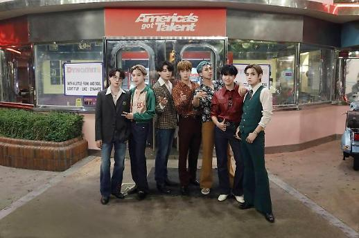 BTS《美国达人秀》舞台献唱新歌《Dynamite》