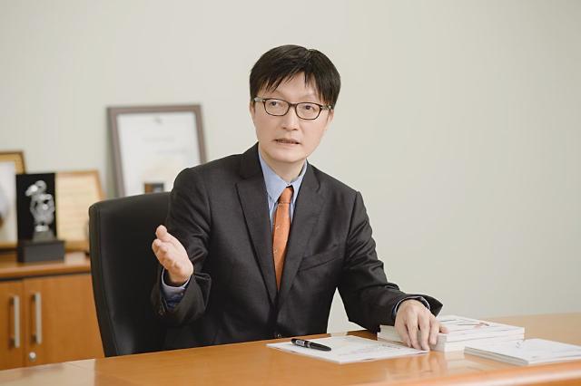 """김흥종 KIEP 원장, """"다소 완만해도 트리플딥까지 올 수 있다"""""""