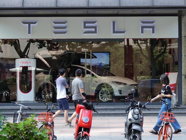 马斯克称特斯拉将增加动力电池购买量 LG化学股价应声上涨