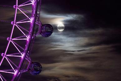 [광화문갤러리] 막바지 추석 연휴, 세계 곳곳의 보름달