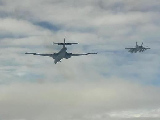 美军两架B-1B中秋期间进行联合训练后返回本土