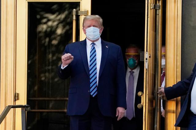 [포토] 트럼프, 입원 사흘 만에 조기 퇴원