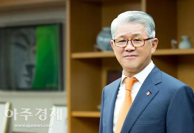 검찰, SK네트웍스 본사·최신원 회장 자택 압수수색