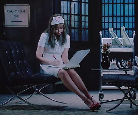 YG决定删除BLACKPINK新歌MV中护士装镜头