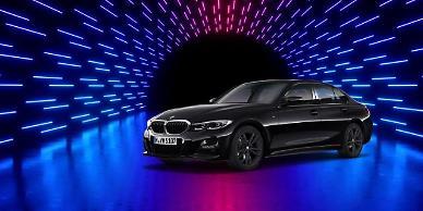 BMW코리아, 뉴 미니 컨트리맨·뉴 320i M 스포츠 패키지 블랙 수트 출시