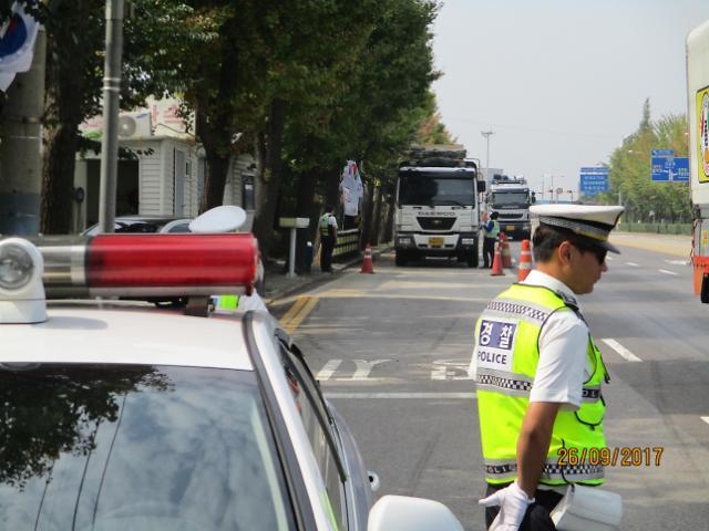 [단독] 도로 위 시한폭탄 과적위반 5년간 16만건...도공, 10년째 수수방관