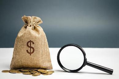 코로나 대응으로 지출 늘어...8월 재정적자 96조원