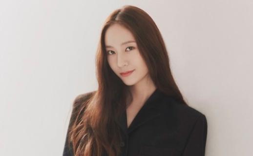 郑秀晶离开老东家SM 加盟H&娱乐