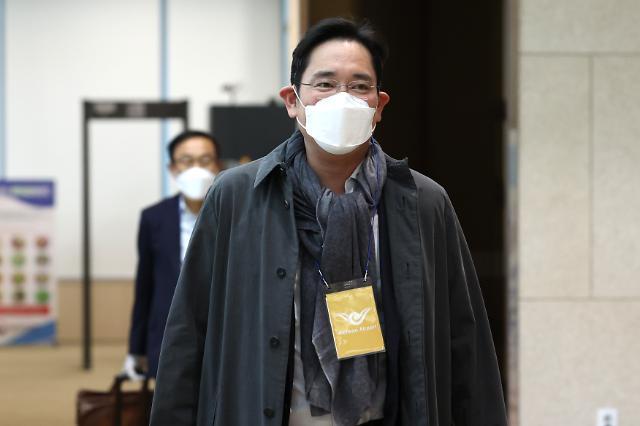 """이재용, 7일간 유럽출장서 복귀…""""EUV 협력방안 논의"""""""