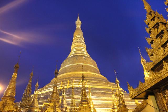 [NNA] 미얀마 아이돌 그룹 공연에 불교도 모독 비난 쇄도
