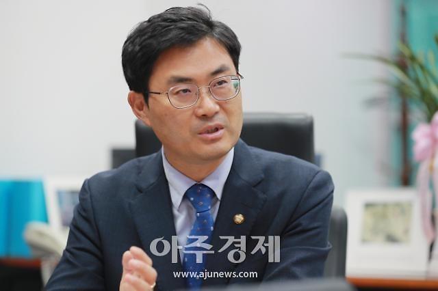 [단독] 근무 중 투잡 국책연구원…5년간 37억 부수입 챙겼다