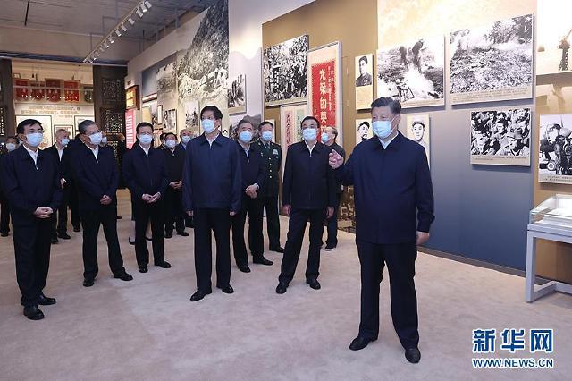 [중국포토]항미원조 70주년 전시회...中최고지도부 7인 총출동