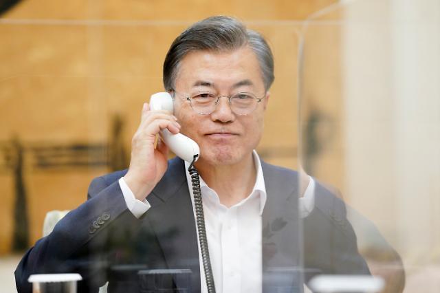 文대통령, 세 차례 정상통화…유명희 WTO 사무총장 당선 지원 총력전