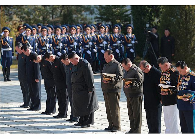 北김정은, 中 6·25전쟁 참전 70주년 기념 중공군 열사능 참배