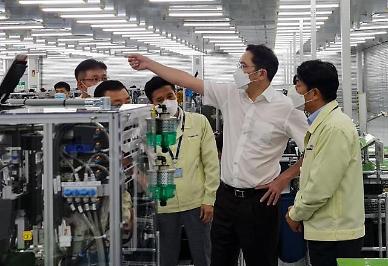 베트남으로 달려간 이재용 부회장 변화에 대응하는 실력 강조