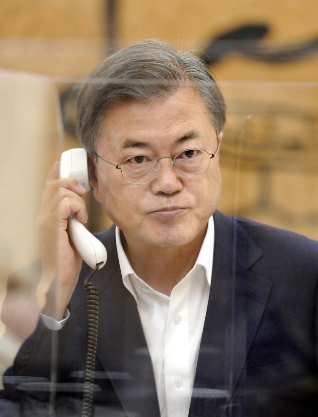 文대통령, 연일 '유명희 지지' 요청…총 13개국과 정상통화 '강행군'