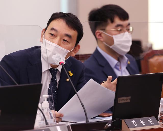"""김용민·김남국 '사이다 발언' 화제...""""추미애가 친구냐"""""""