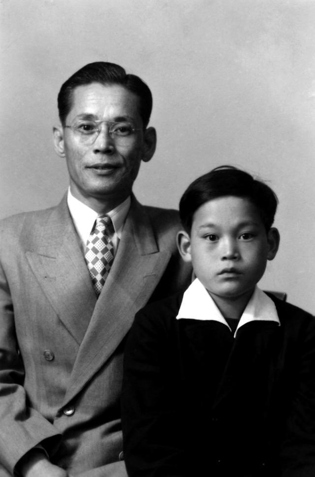 [슬라이드  뉴스] 이제 사진으로 남은 삼성의 역사 이병철-이건희 父子