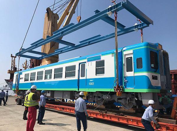 [NNA] 미얀마-만달레이 간선철도 차량, 日에서 도착