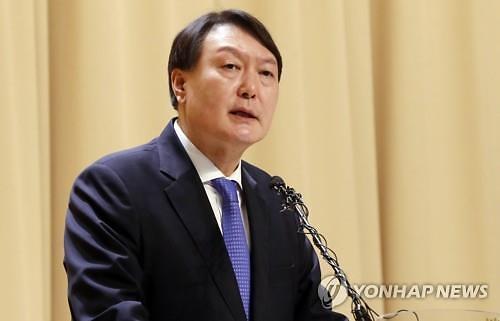 윤석열, 대권주자 선호도 15.1%…이재명‧이낙연 이어 3위 굳건