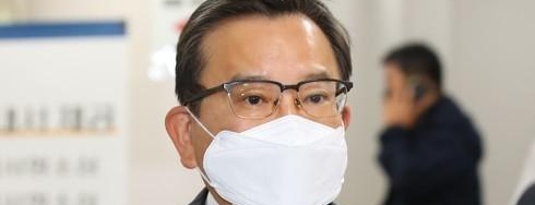 김학의 항소심서 법정구속</br>1심 뒤집고 2년6개월 실형