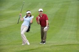 .S. Korean golf lovers undaunted by COVID-19 infection at golf course.