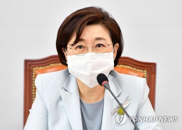 """김정재 """"박원순 침실 신체접촉 조사를"""" 발언에 與 '고성'"""
