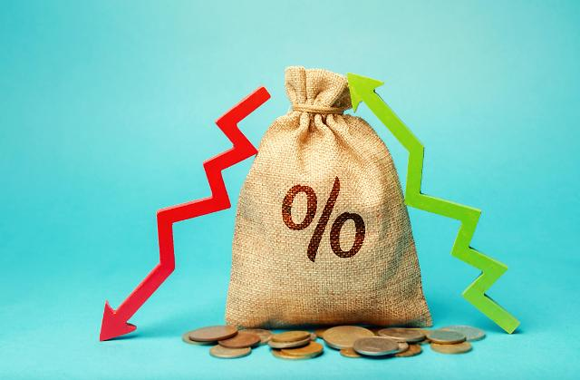 """한경연 """"법인세 부담 1%p 줄면 설비투자 6.3% 늘어"""""""