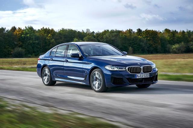 BMW 5시리즈, 라이벌 벤츠 E클래스와 맞대결서 승기
