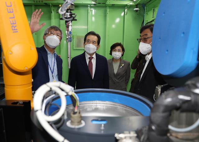 바쁘다 바빠...정 총리, 포항 지진피해 현장 점검에 죽도시장도 방문