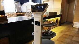 LG Electronics triển khai robot phục vụ tự động ở khu nghỉ mát gần Seoul