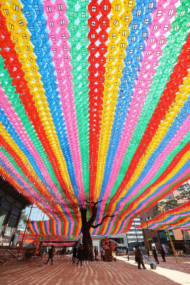 韩国佛教燃灯会入遗在望