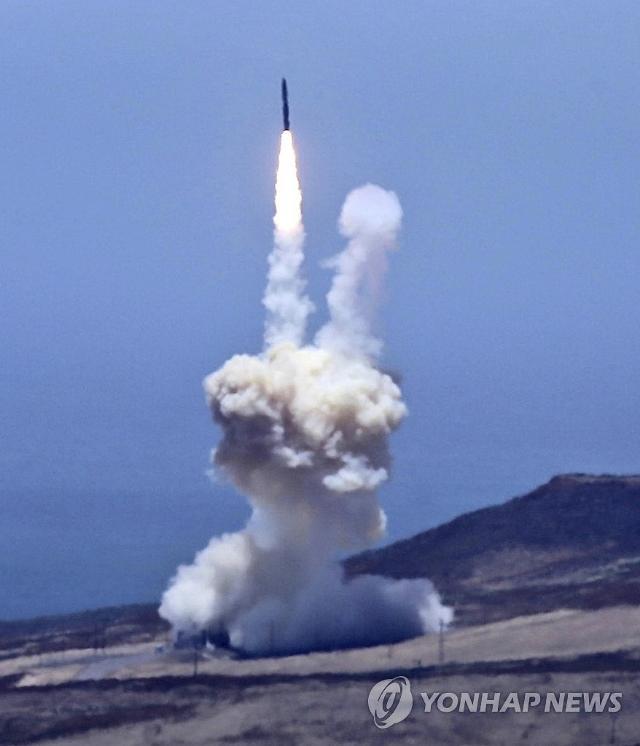 북한 ICBM 요격 시험 성공...미국 존 핀 이지스함 탑재 미사일이 격추