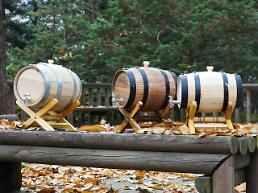 Researchers localize production of oak barrels for liquor aging with native trees