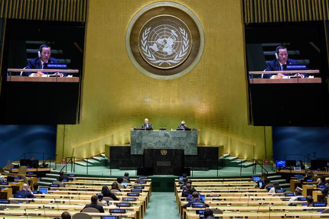 """유엔 위원회, 북한인권결의 컨센서스 채택...北 """"정치적 책략"""" 반발"""