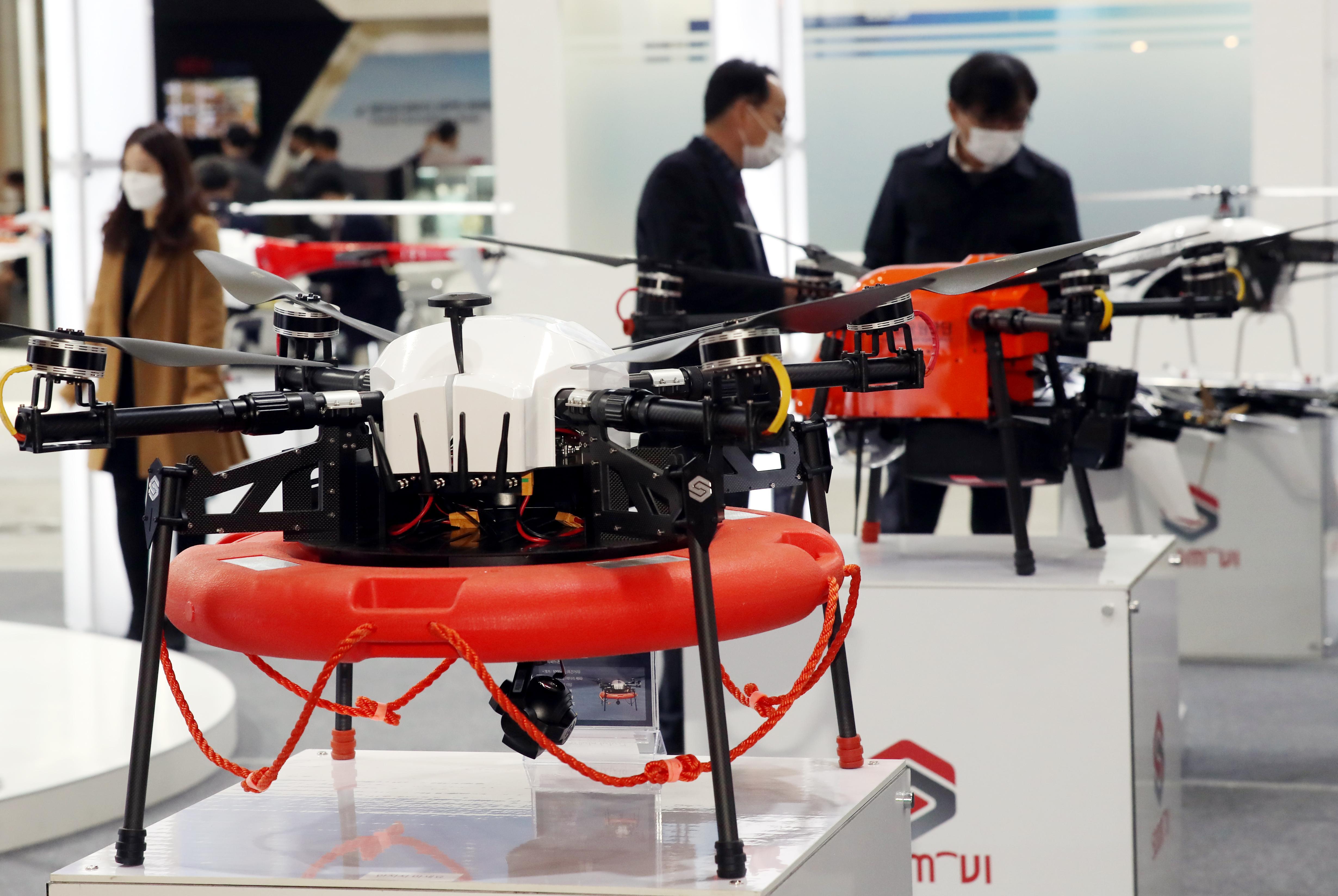 韩国经济谋转型 力推机器人无人机产业