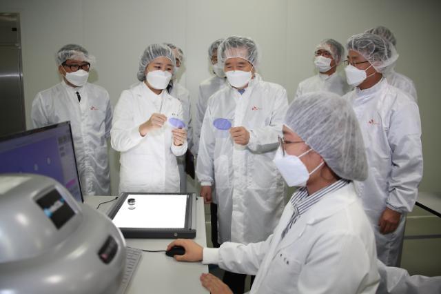 [코로나19] 화이자 백신 낭보 속 SK바이오사이언스에 거는 '기대'