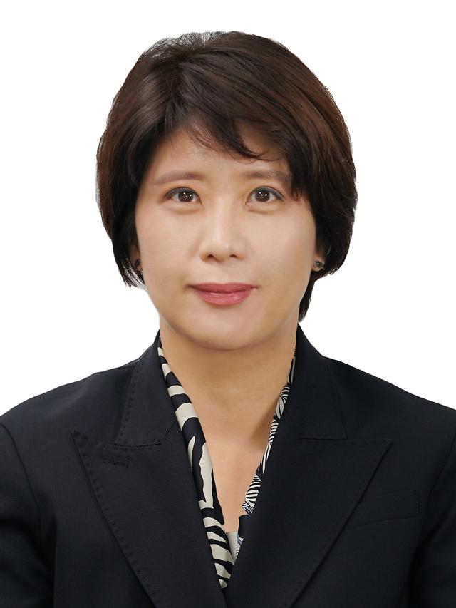 방사청, 개청 14만에 첫 여성 고위공무원 탄생…김은성 방산진흥국장 임명