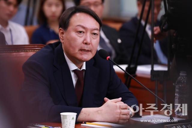 """윤석열 """"검사 전쟁터는 법정""""…내부결속 행보 계속"""