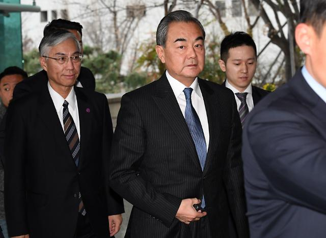 중국, 한·미 밀착 행보에 왕이 서울 급파...요동치는 동북아 정세
