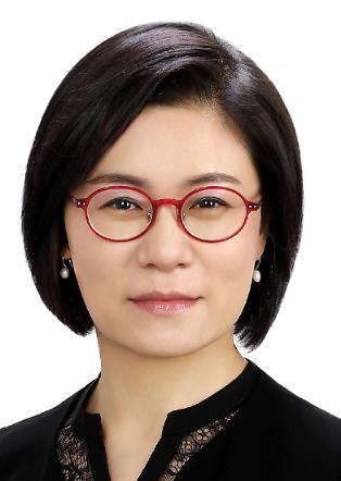 LG디스플레이 최초 여성 전무 탄생…김희연 경영전략그룹장