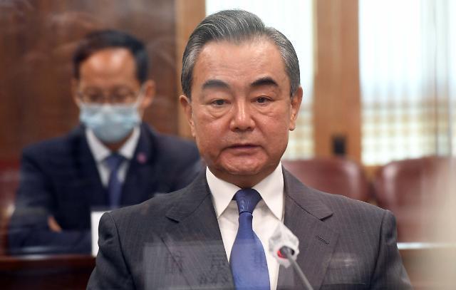 중국, 왕이 방한 속 한중일 FTA 띄우기