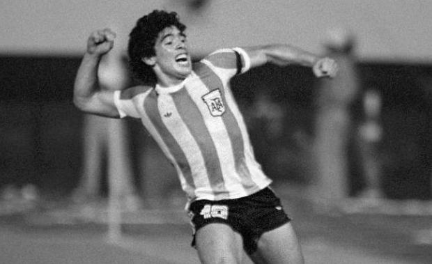 [슬라이드 포토] 별이 된 축구 스타 마라도나…생전 그의 모습은